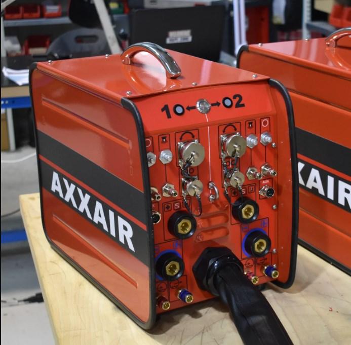 rozvadzač AXXAIR pre pripojenie 2 zváracích hláv k jednému zdroju
